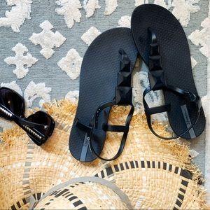 Ipanema Maya t-strap studded sandals sz8